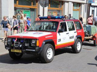 Hasičský den na Konopišti 2017 začal letos průvodem z benešovského náměstí